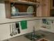 Рейлинг для кухни - это труба, которая обычно прикрепляется к стене под навесными.